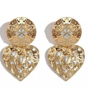 Jewelry - Gold stud drop earrings